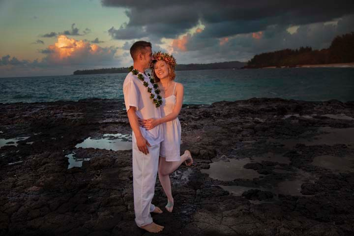Lumahai Beach Kauai wedding photographed by Difraser 804
