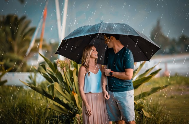 Kauai wedding photographer - aw so it rained
