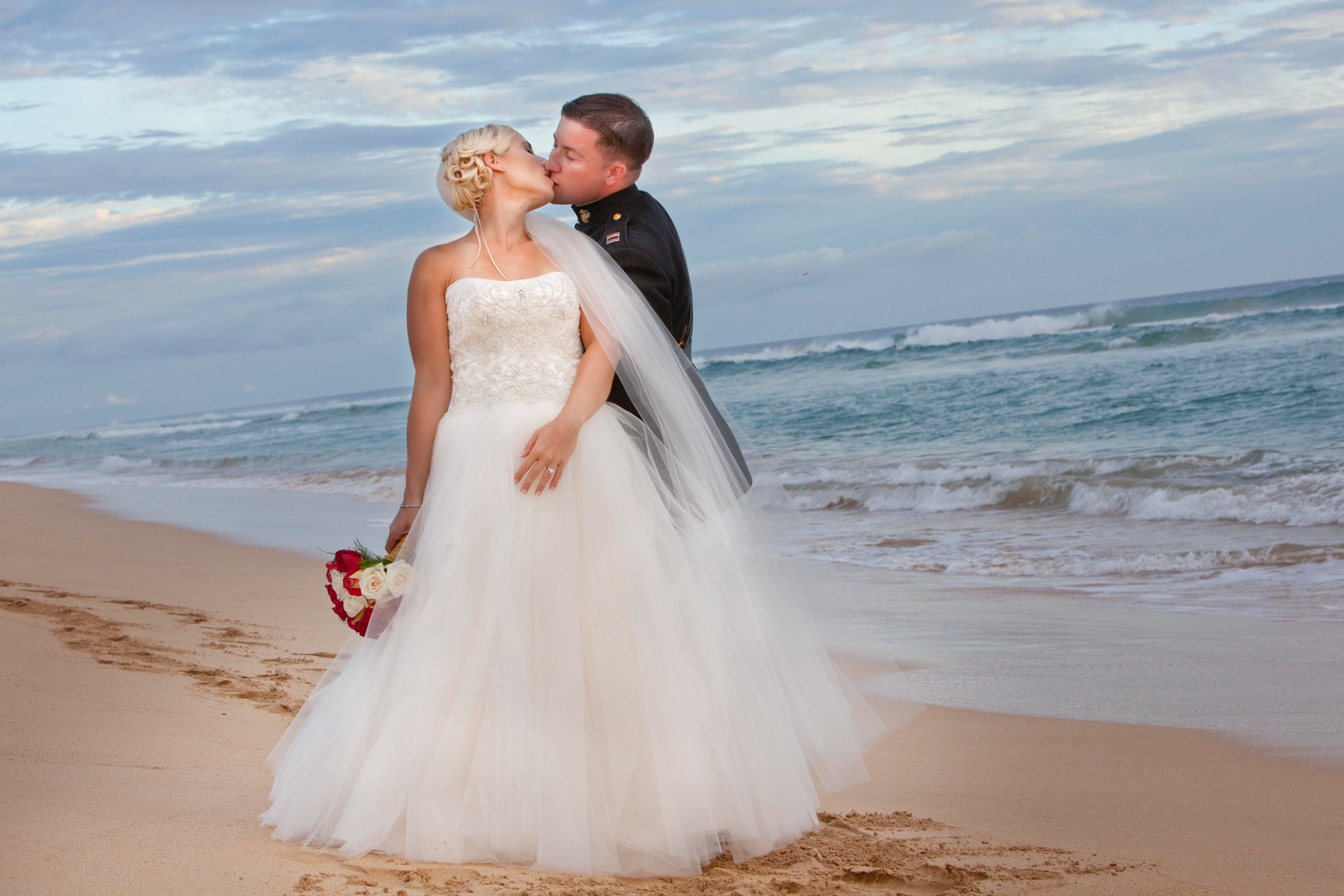 Kauai wedding videographer Difraser 60 - gorgeous bridal videography and photography