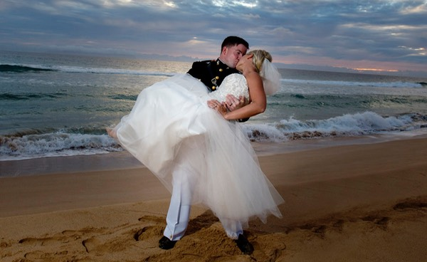 Marine's wedding at the PMRF in Kauai shot by photographer Difraser