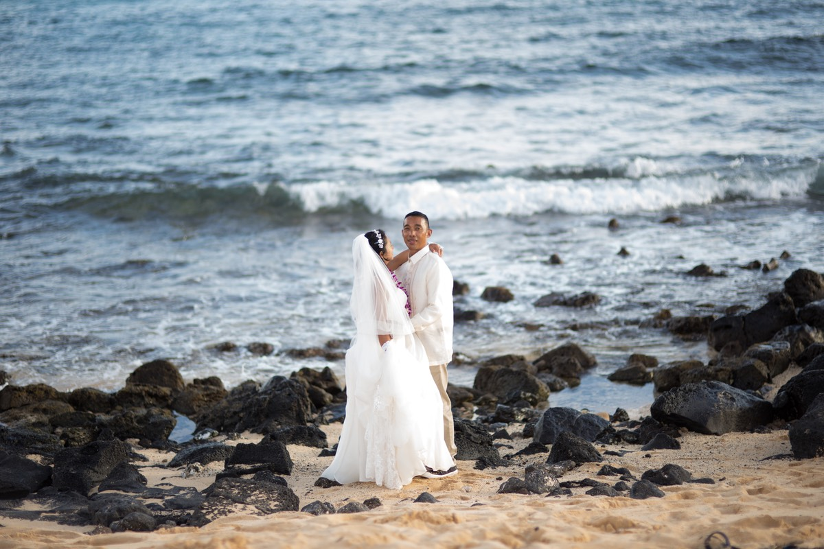 Is it me you're looking for? Kauai wedding photo